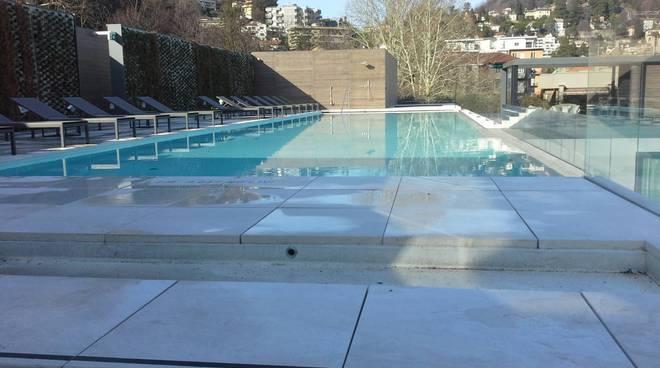hilton lake como sala convegni e piscina