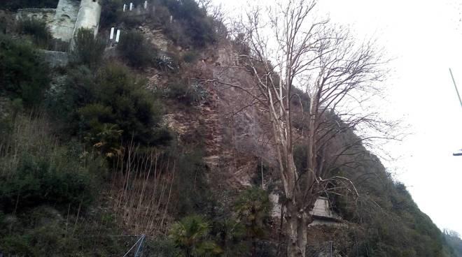 incidente sul lavoro parco villa d'este cernobbio, operaiuo cade e muore sulle rocce