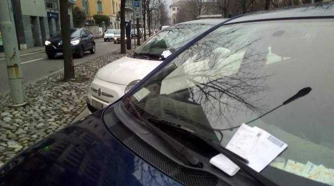 multe a como ausiliari oggi viale varese ticket scaduti