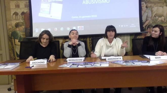 protesta delle guide turistiche di como contro gli abusivi