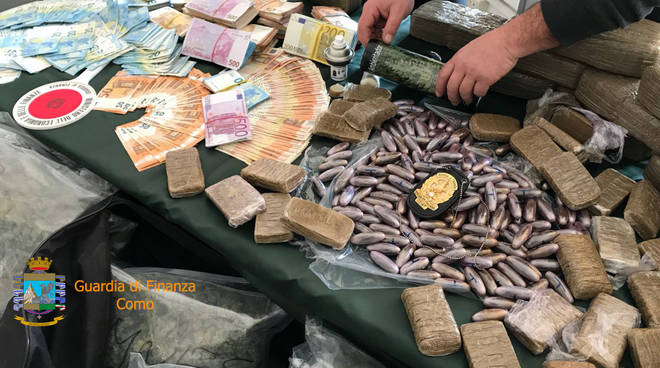 sequestro 400 chili droga finanza como