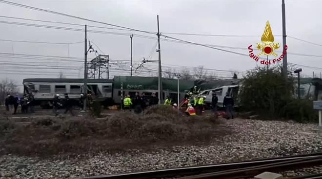 treno deragliato a pioltello cedimento dei binari