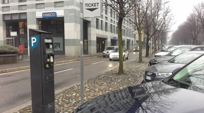viale varese como parchimetro per ticket tentata estorsione ad automobilista