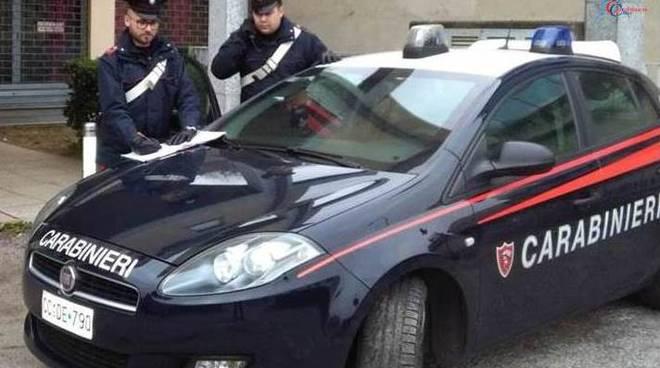 carabinieri di lomazzo posto di blocco arresto per droga bosco