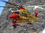 elicottero 118 como per soccorsi in grignetta lecco valanga
