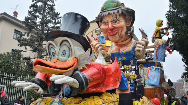 festa finale carnevale canturino 2018, vince il coriandolo