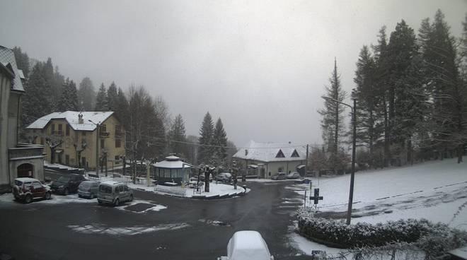 neve sulle alture del comasco, web-cam di meteocomo