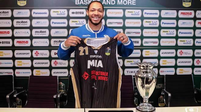 nuova maglia mia cantù per le finali di coppa italia basket maschile