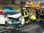 Scontro frontale a Capiago, auto distrutte ed un ferito grave