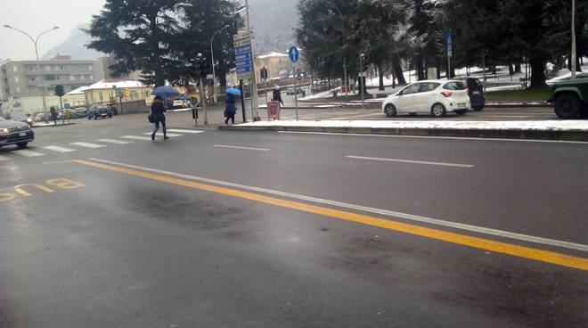 como strade pulite in centro dopo la nevicata di stamane