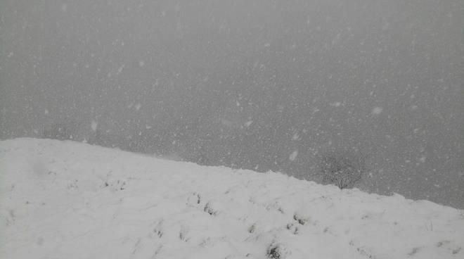 neve palanzone e sighignola lanzo vigilia di pasqua grandine a brunate