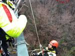 pompieri con elicottero per cercare donna scomparsa a carlazzo