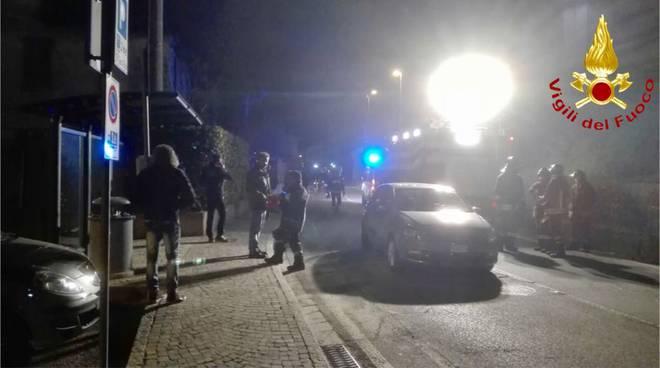 scontro tra auto oltrona san mamette pompieri soccorsi strada