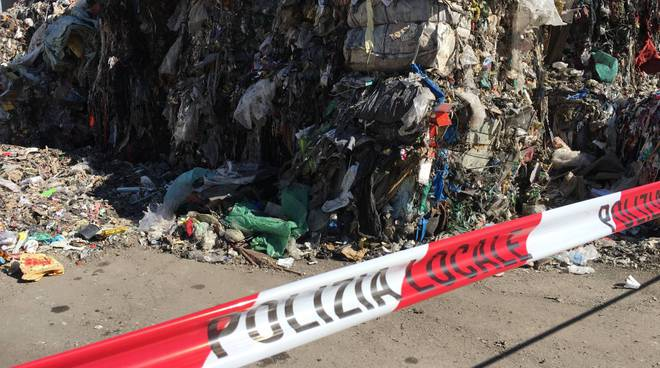 sequestro area stoccaggio rifiuti a camerlata vicino ai binari nord