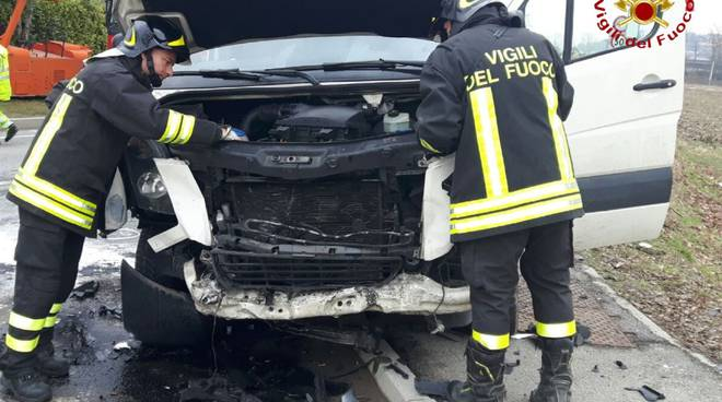 villaguardia incidente furgone auto soccorsi pompieri
