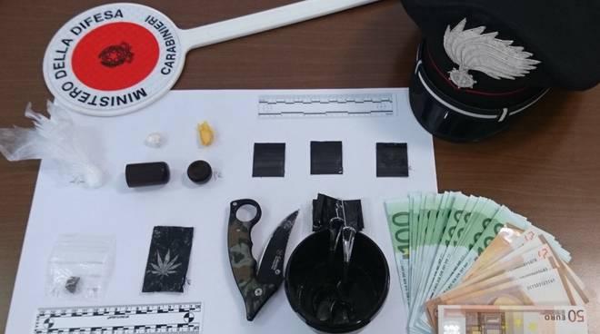 droga e soldi a casa arrestato dai carabinieri a gravedona