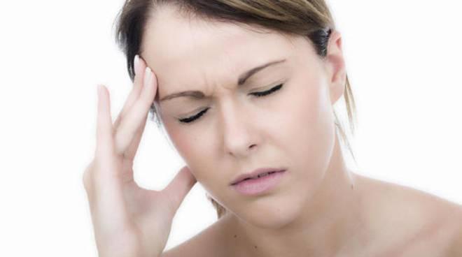 generico mal di testa ragazza