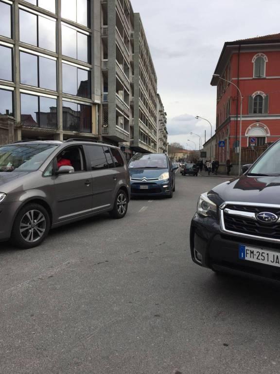 Il traffico sulle strade di Como per la pasquetta 2018