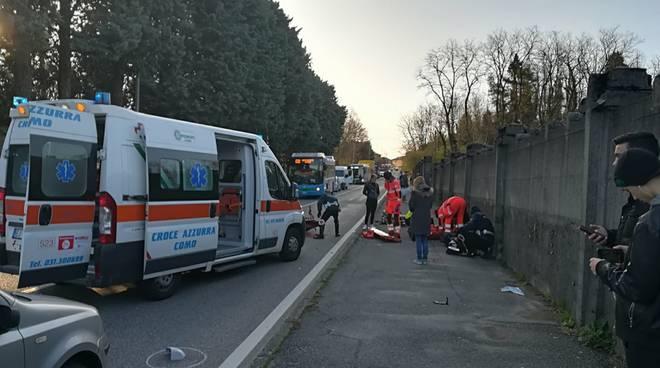 incidente canturina auto contro moto ragazzo ferito a terra