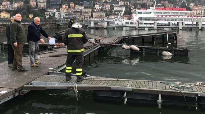 motoscafo affondato dal battello diga foranea como rimosso da pompieri