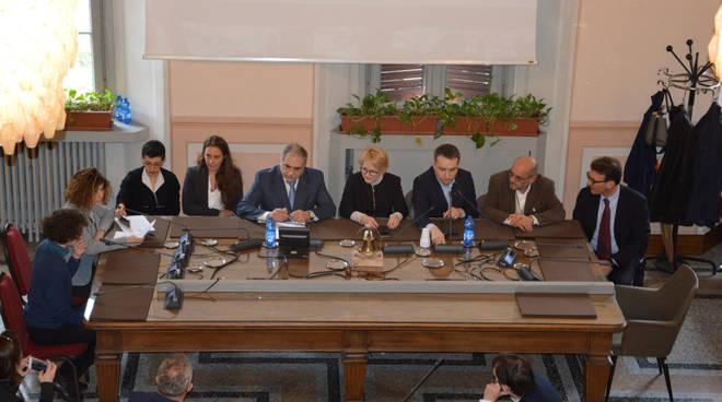 visita delegazione polacca a como per studiare modello di scuola di cometa