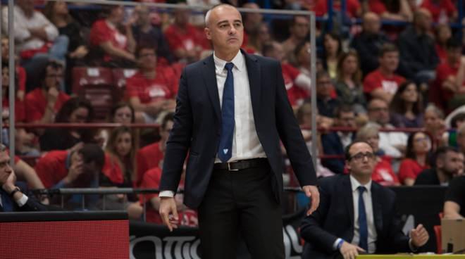 coach marco sodini pallacanestro cantù a milano playoff