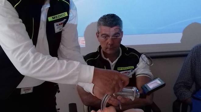 fondazione pro elisoccorso como dona videolaringoscopio alla base 118