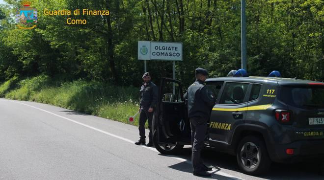 Indennità di disoccupazione (Naspi) ma lavoro in Svizzera, denunce