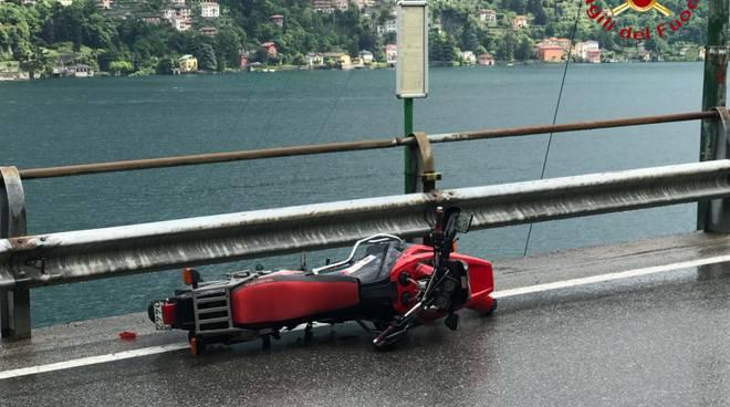 incidente di laglio, auto contro moto sulla Regina