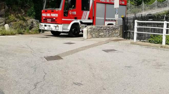 incidente furgone cernobbio contro il muretto, pompieri soccorso