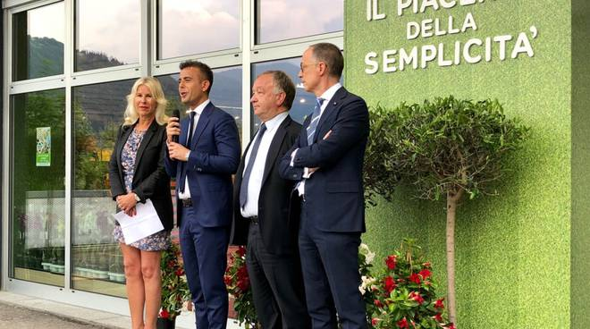 leader price italia inaugura punto vendita a como