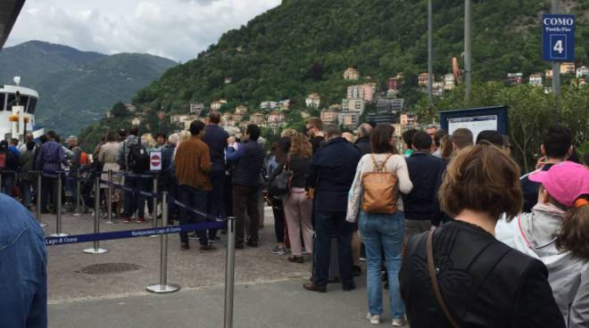 Pienone di turisti sul lago anche per il primo maggio