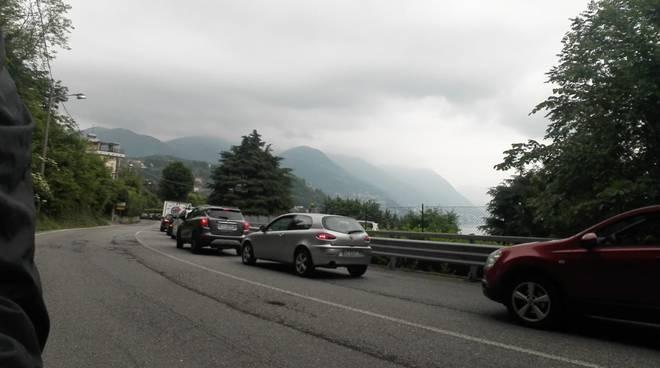 traffico difficile su strade di como questa mattina rallentamenti breccia e via per san fermo