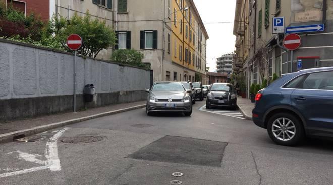 traffico in tilt como per festa svizzera e incidenti