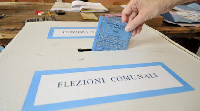 elezioni comunali a como e provincia generica seggio di votazione
