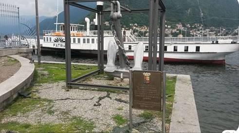 piroscafo Patria ancorato davanti a Villa Olmo