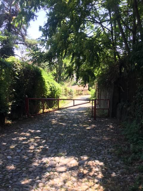comoaicomaschi blitz via santa brigida camerlata, foto della zona