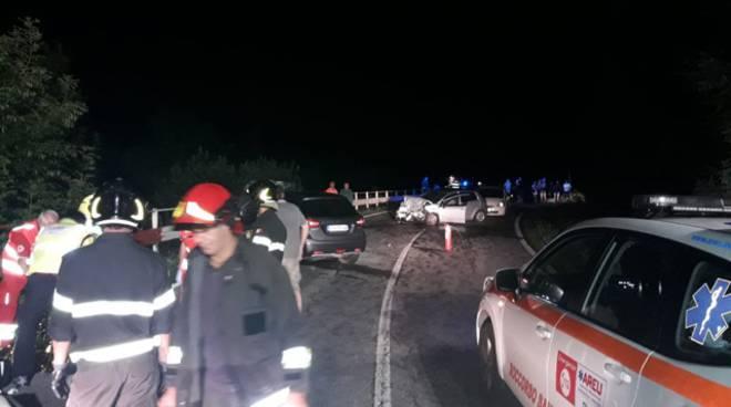 elicottero 118 como atterra con verricello in provincia di Lecco, prima volta di notte