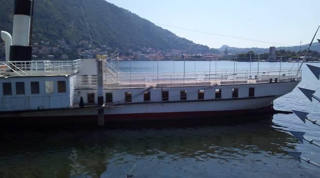 il patria oggi a villa Olmo dopo evento dolce e gabbana, vuoto e senza nulla a bordo