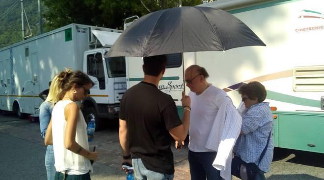 Le riprese del film di Boldi e De Sica davanti al Sociale di Como