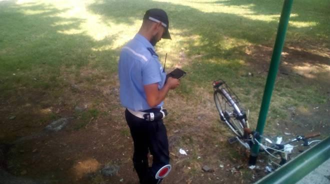polizia locale como ritrova bici rubate giardini a lago di como