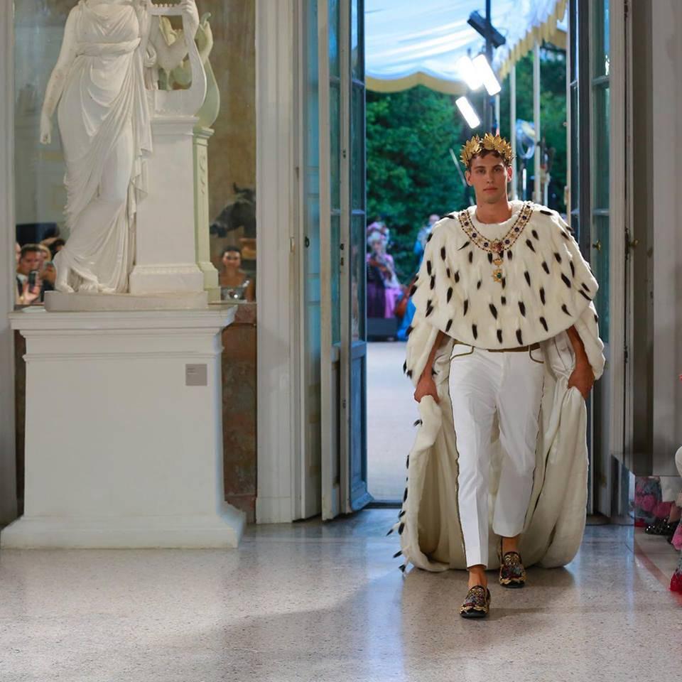 Villa Carlotta ed i modelli collezione uomo Dolce e Gabbana
