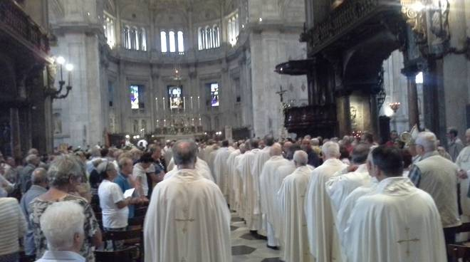 duomo di como messa per sant'abbondio 2018 con sacerdoti e vescovo