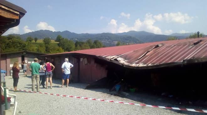 Incendio canile della valbasca capanno distrutto ed ingresso struttura