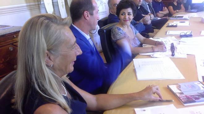 presentazione fiera di sant'abbondio como comune sindaco assessori