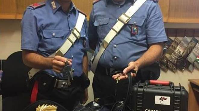 carabinieri rintracciano autori rapina cimitero appiano gentile