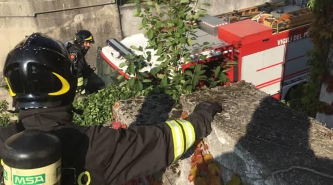 incendio ex oratorio di vighizzolo di cantù pompieri in azione