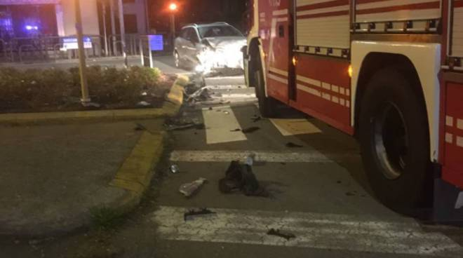 incidente auto-camion arosio via de gasperi