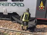 pensionato sotto il treno portichetto luisago soccorsi e treno fermo polfer e pompieri