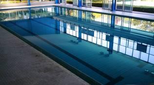 piscina di casate vasca chiusa per manutenzione